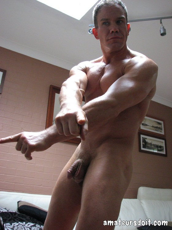 3-chuck Chuck – Gym Muscle Jack-Off